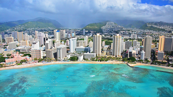 Fly from Vancouver to Hawaii for only $265 return including all taxes